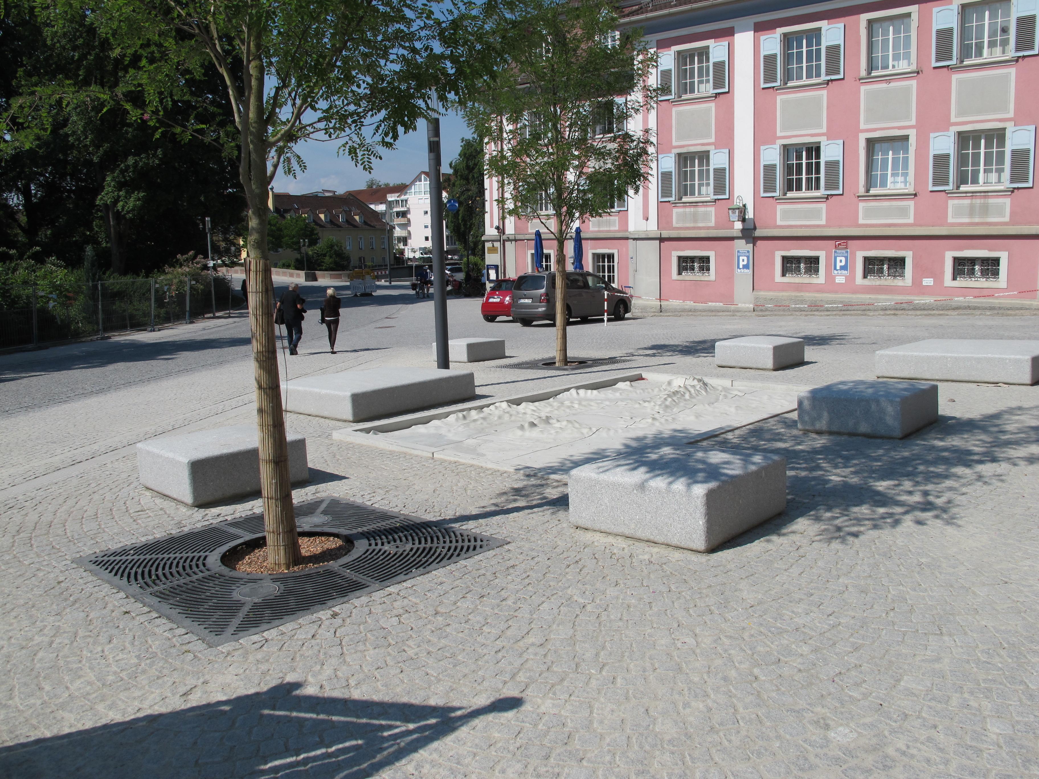 140618 Lammplatz und Donaurelief (1)
